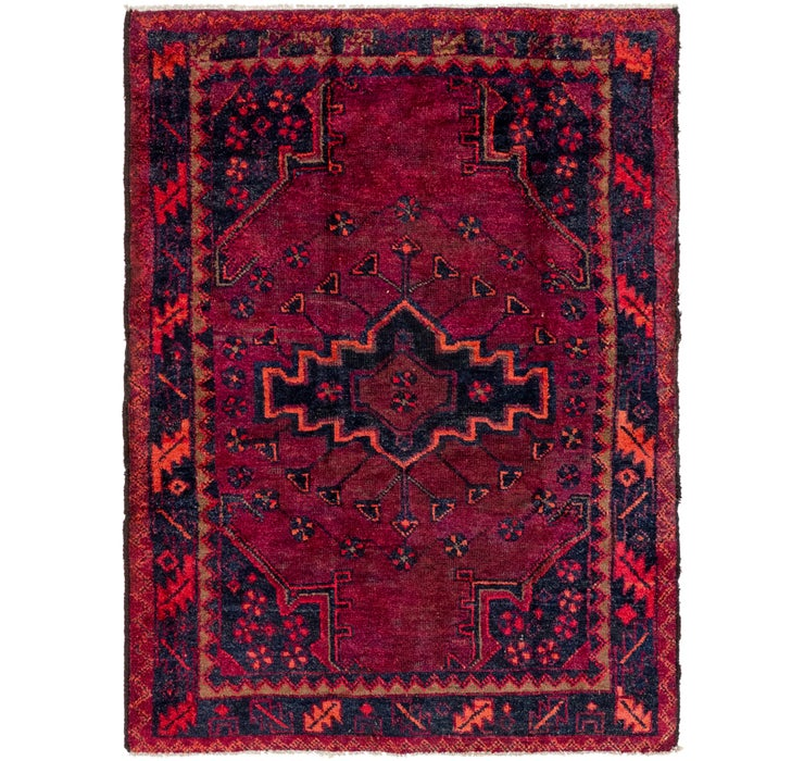 4' 9 x 6' 4 Shiraz Persian Rug