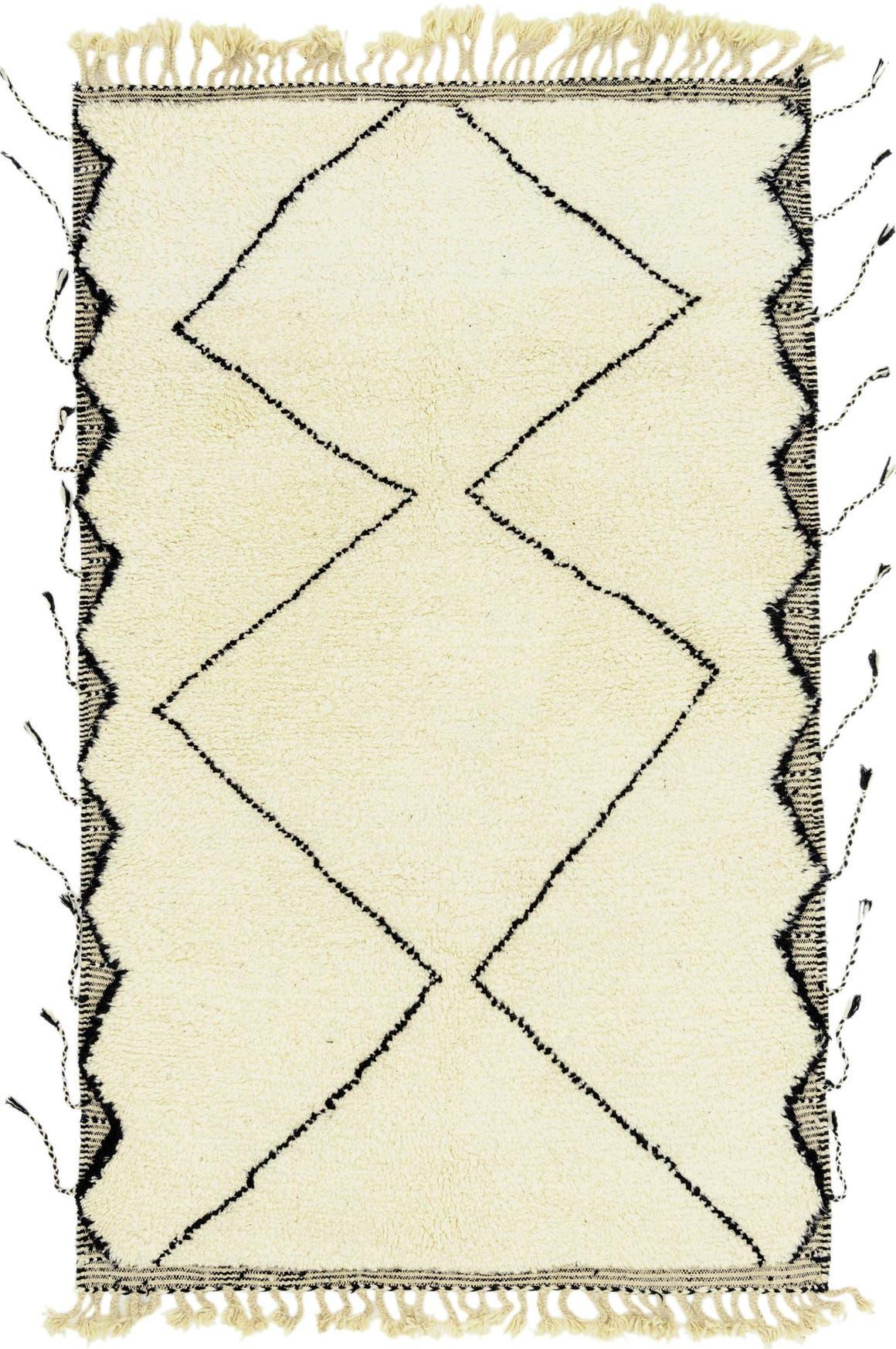 5' x 7' 8 Moroccan Rug main image
