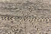 5' 4 x 9' 6 Moroccan Rug thumbnail