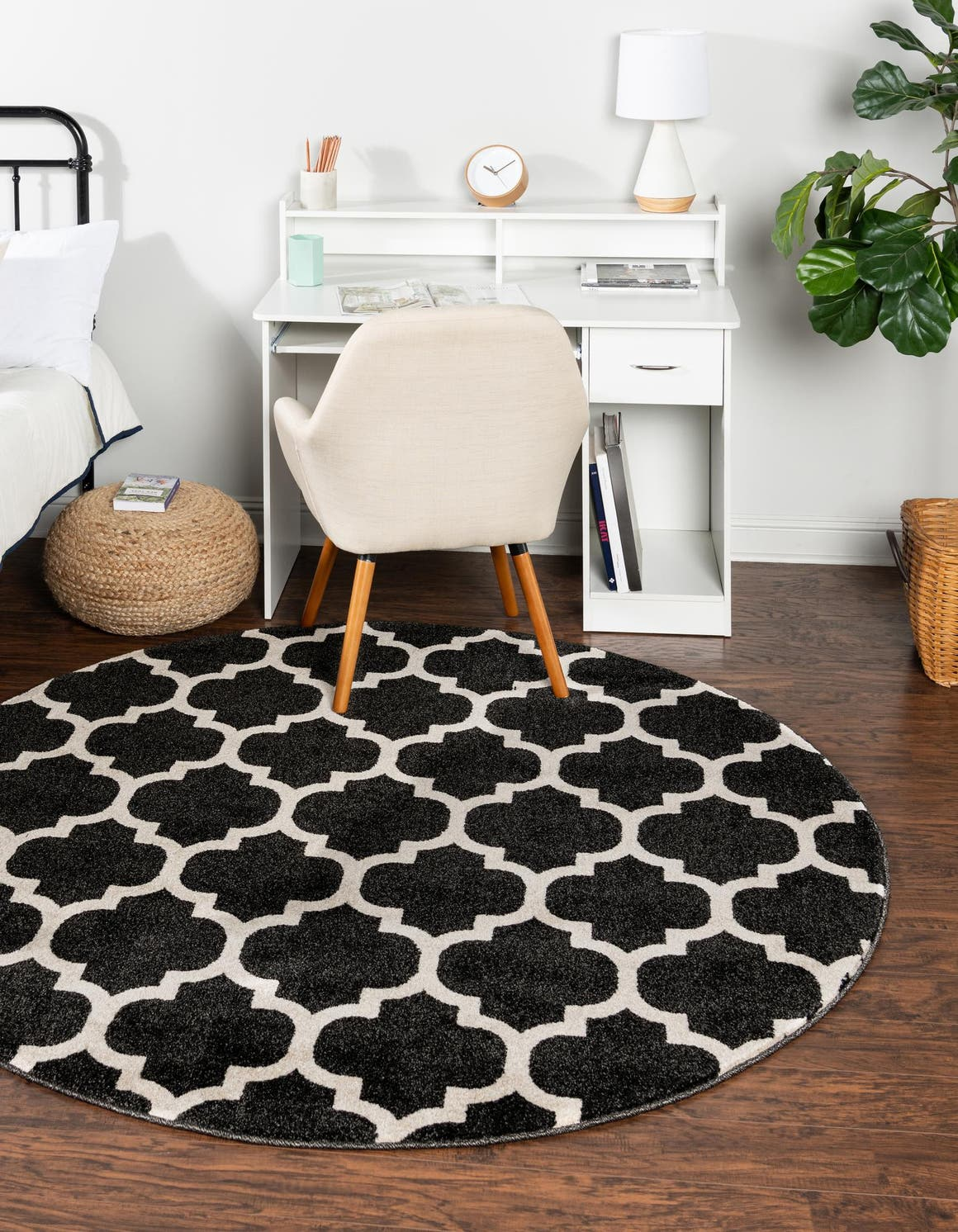 Black 6 X Trellis Round Rug Irugs Uk