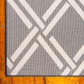 7' x 10' Trellis Rug thumbnail