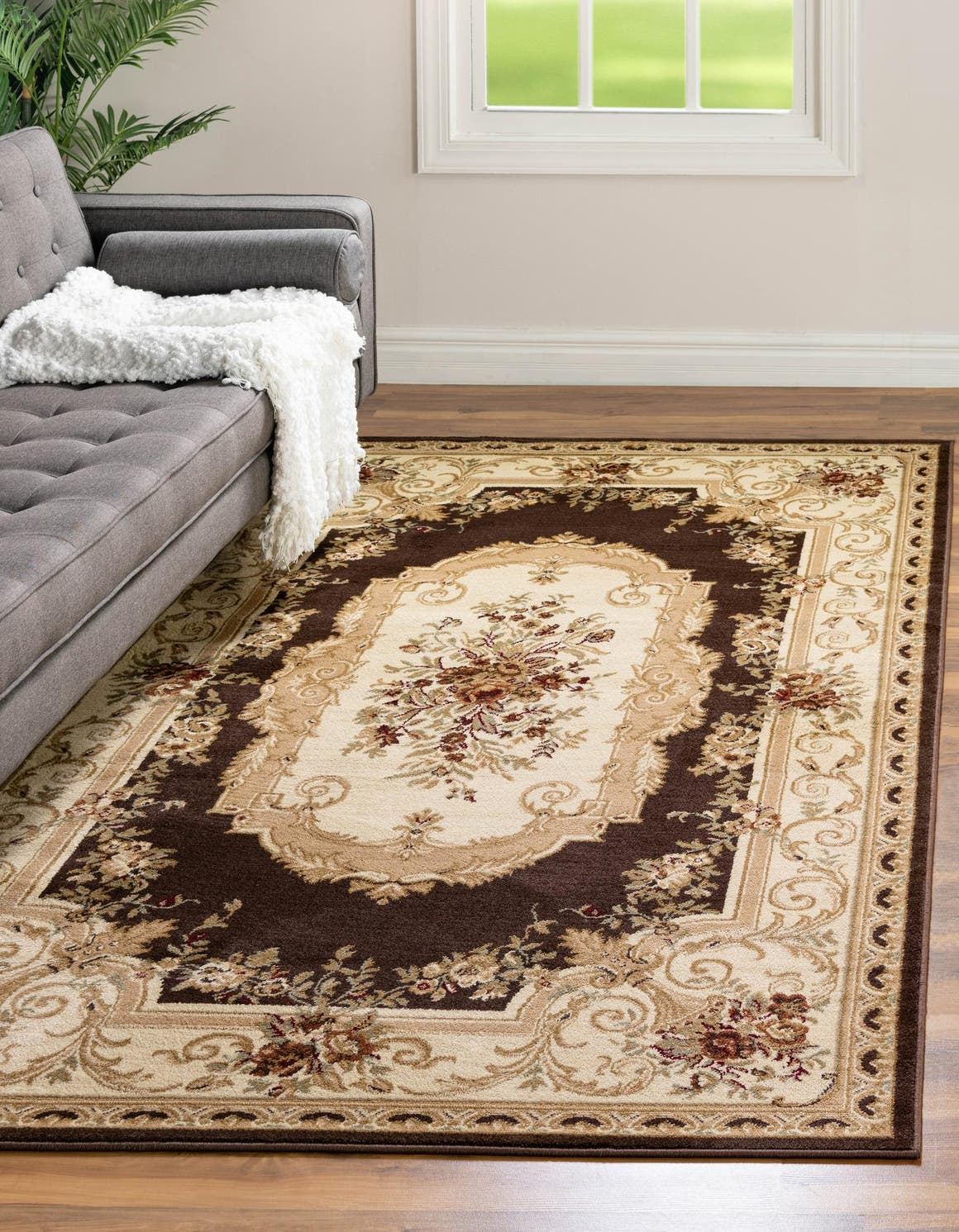 4' x 6' Classic Aubusson Rug main image