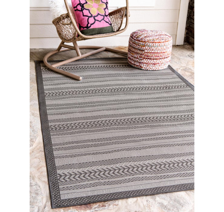 6' x 9' Outdoor Border Rug