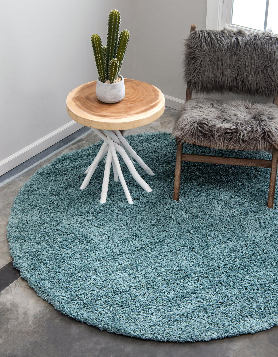 5' x 5' Solid Shag Round Rug main image