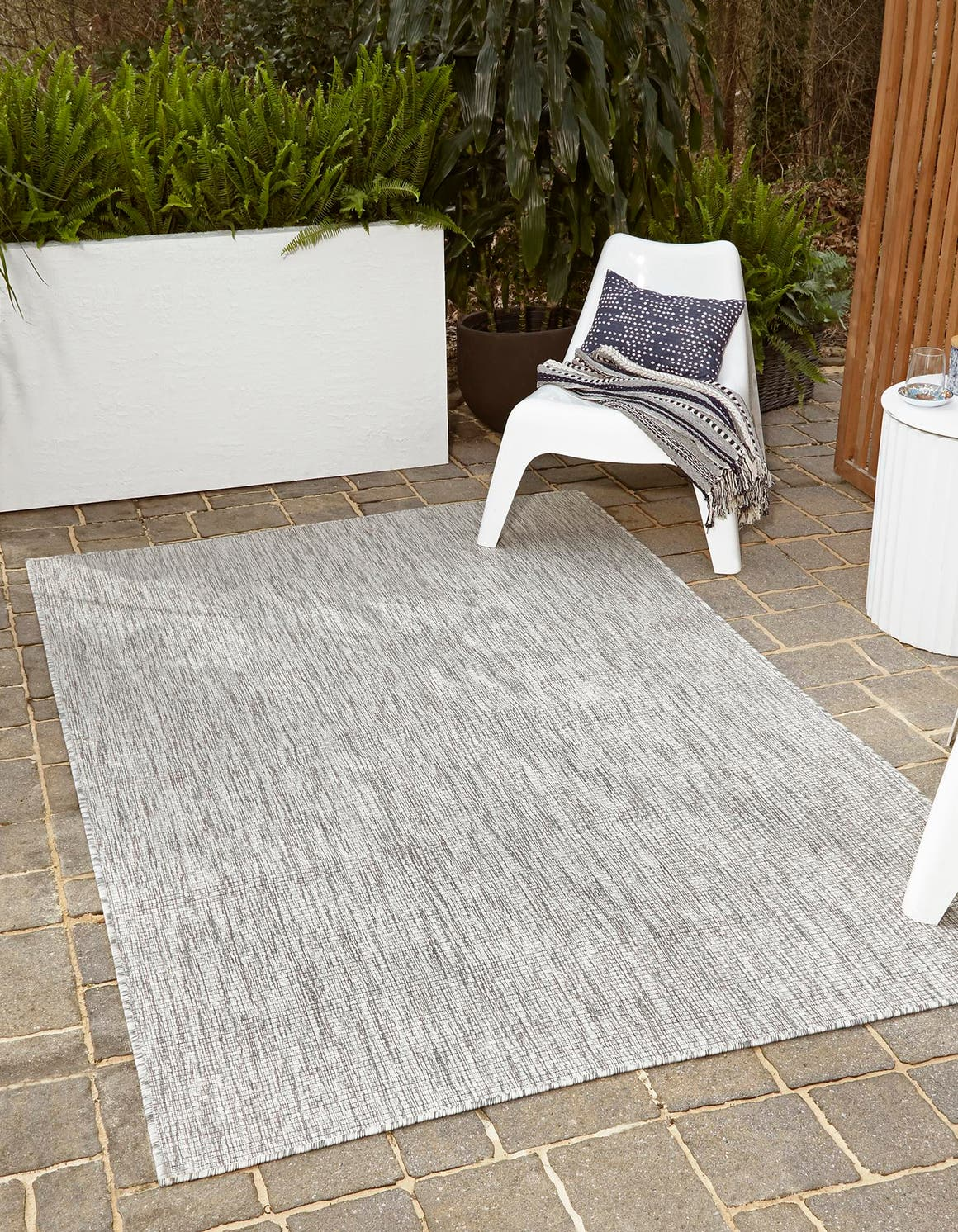7' x 10' Outdoor Solid Rug main image