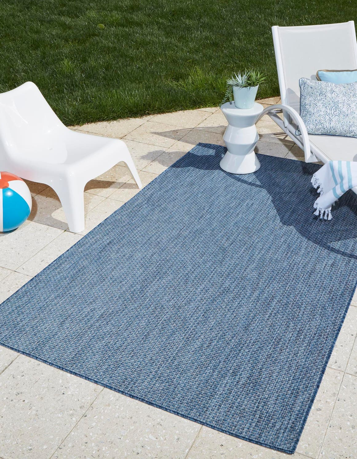 9' x 12' Outdoor Solid Rug main image