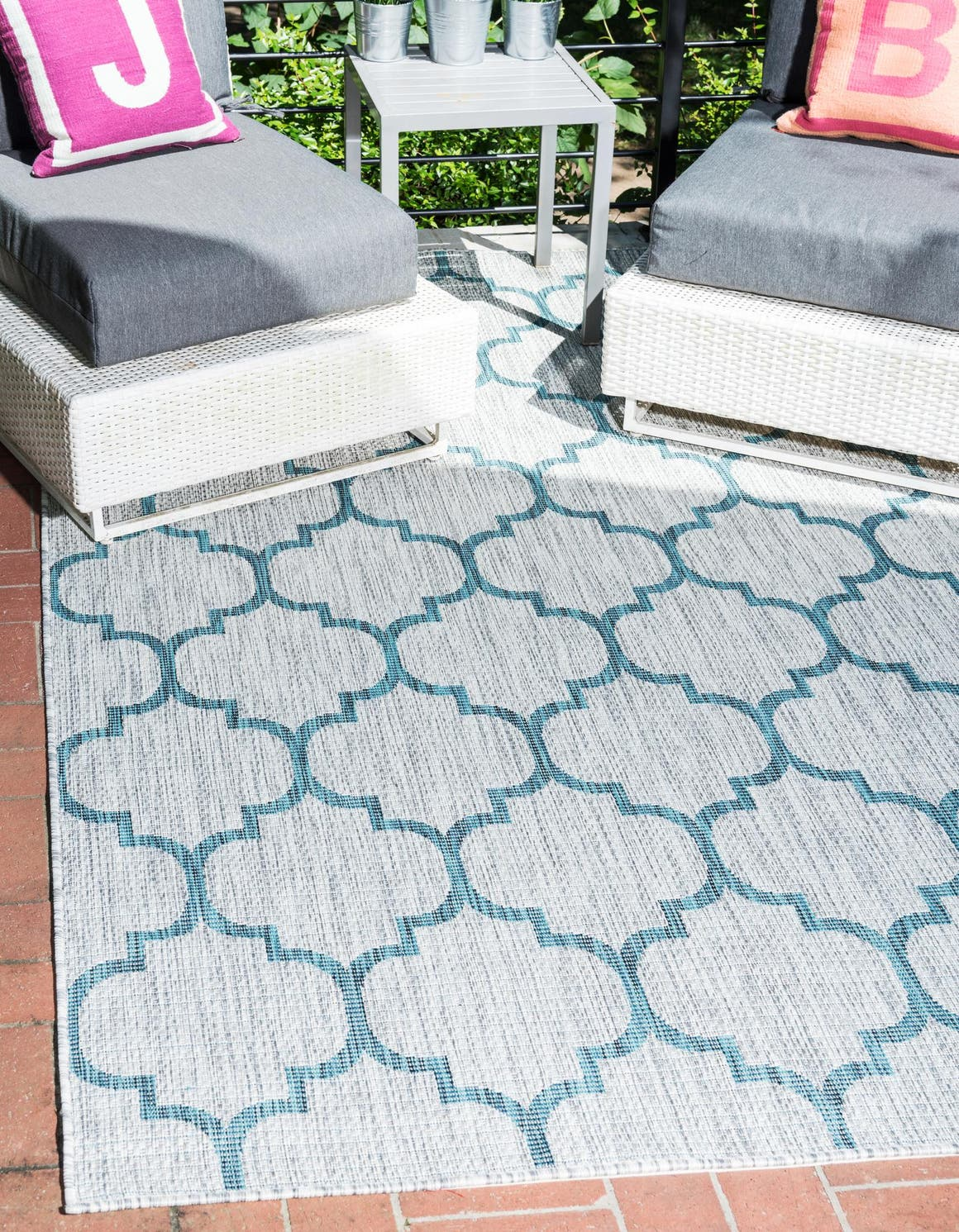 9' x 12' Outdoor Lattice Rug main image