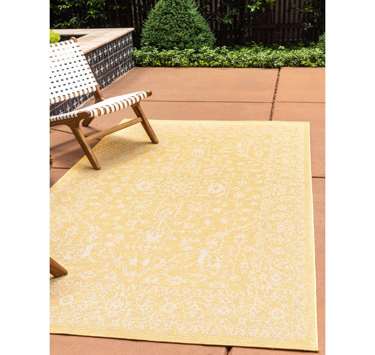 7' x 10' Outdoor Botanical Rug