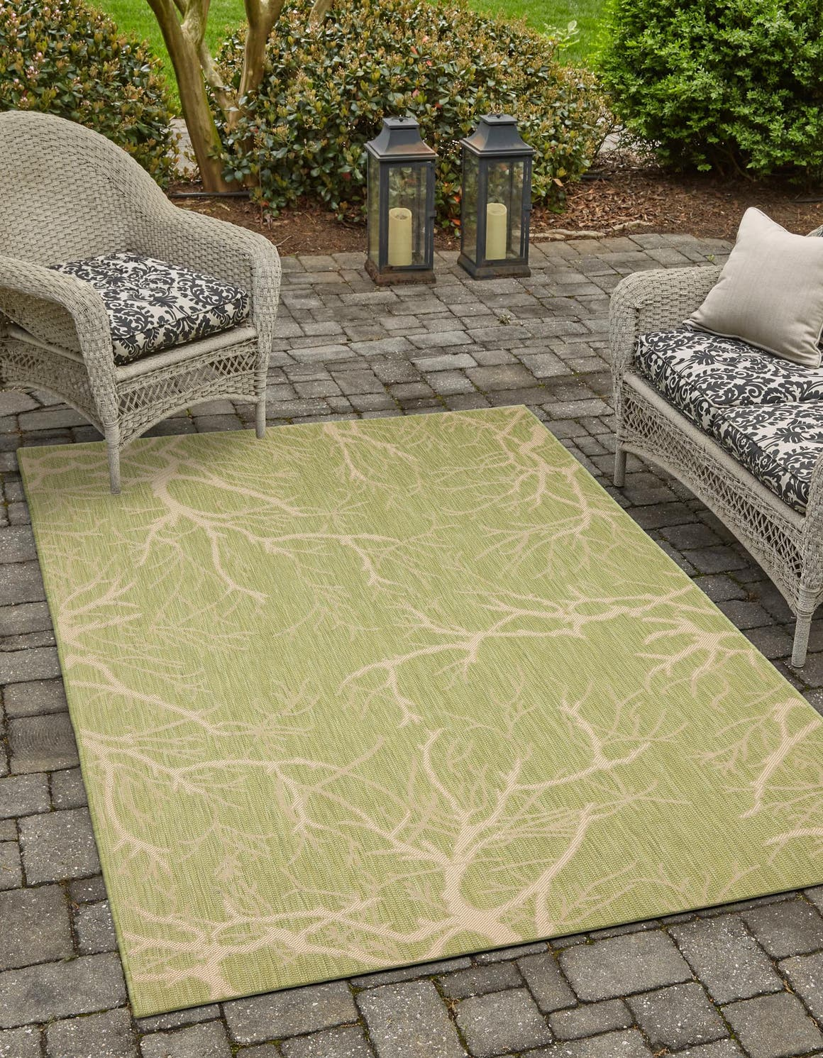 8' x 11' 4 Outdoor Botanical Rug main image