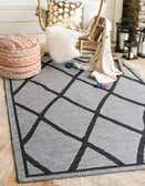 6' x 9' Outdoor Lattice Rug thumbnail