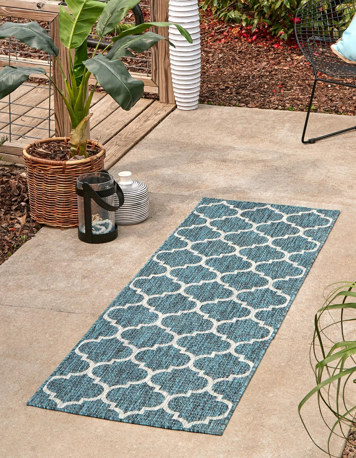 2' x 8' Outdoor Trellis Runner Rug main image