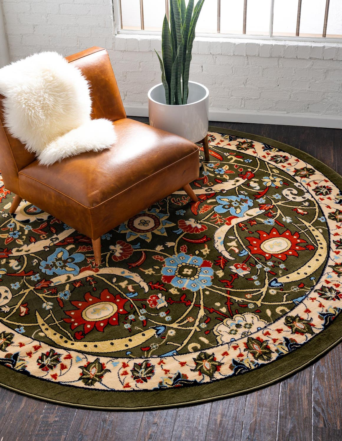 8' x 8' Isfahan Design Round Rug main image