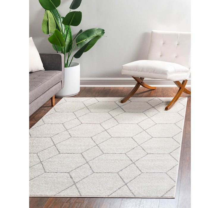 4' x 6' Lattice Frieze Rug