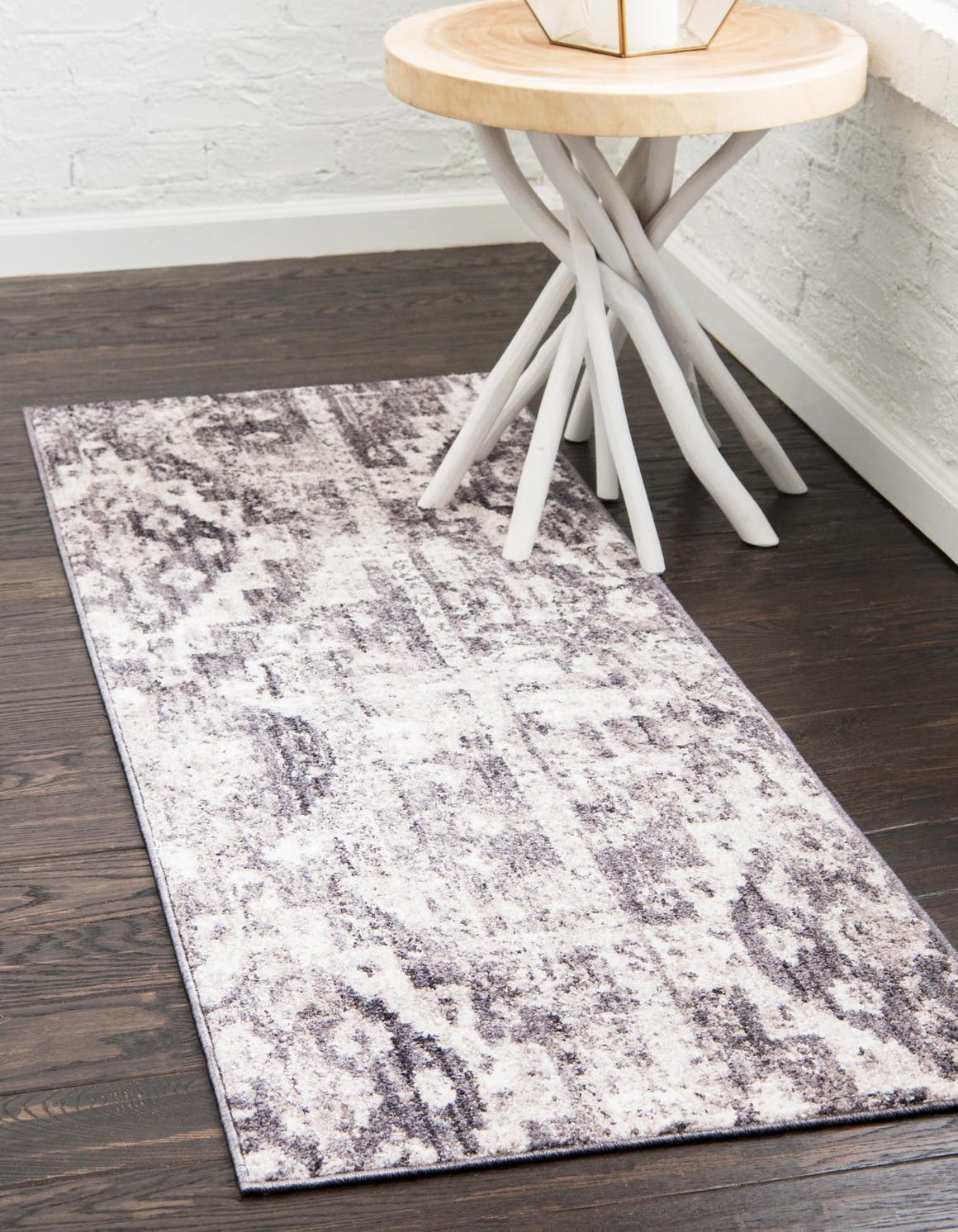 2' 2 x 6' Madrid Runner Rug main image