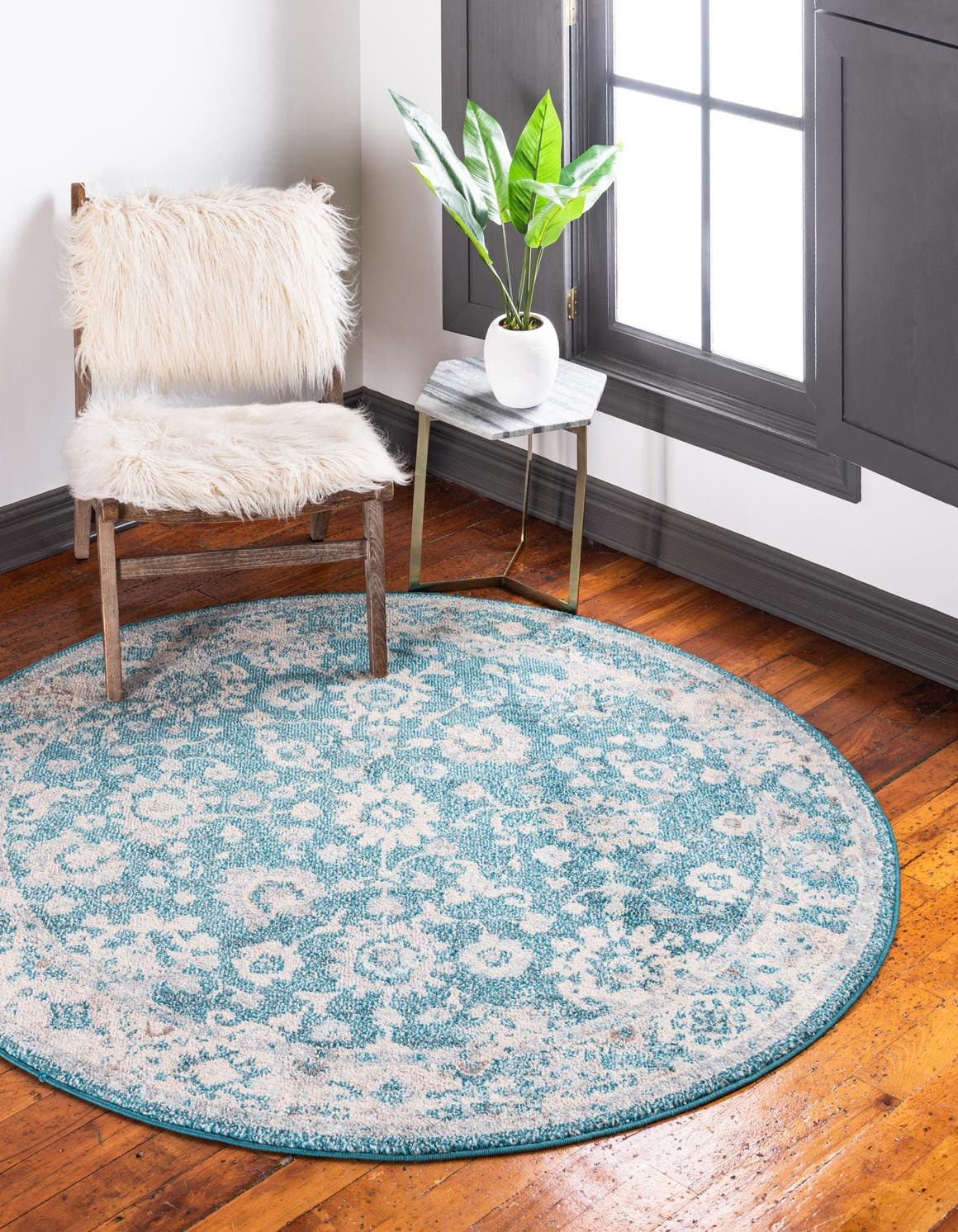 6' x 6' Carrington Round Rug main image