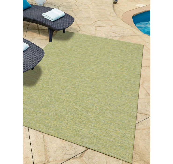 6' 3 x 9' Outdoor Solid Rug