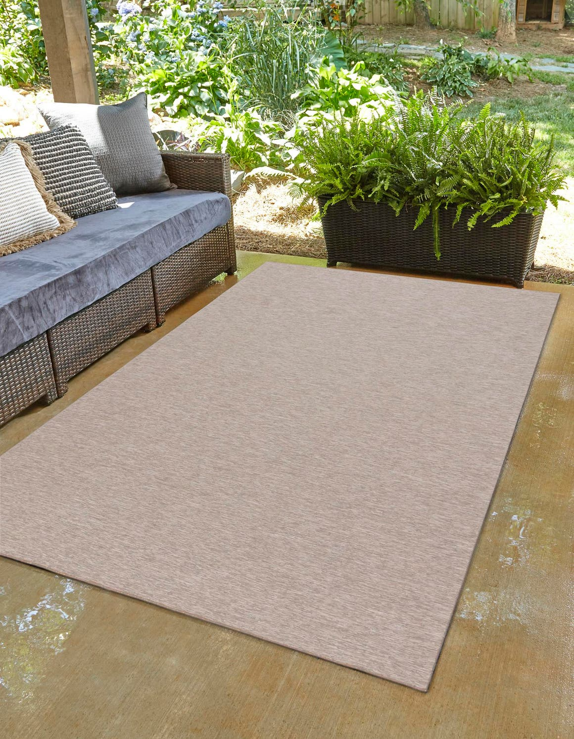 5' 3 x 8' Outdoor Solid Rug main image