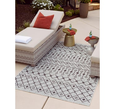 5' x 8' Outdoor Lattice Rug main image