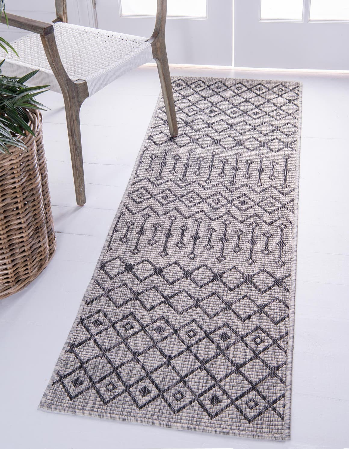 2' x 6' Outdoor Lattice Runner Rug main image