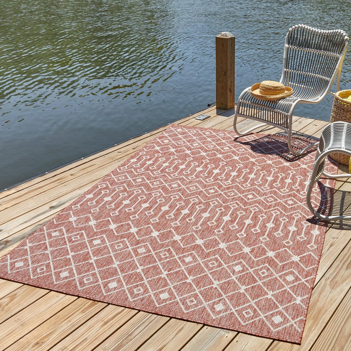 5' x 8' Outdoor Trellis Rug main image