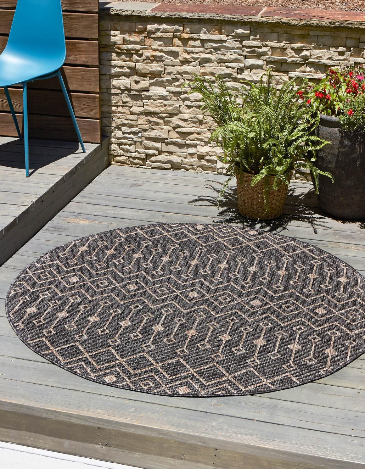5' 3 x 5' 3 Outdoor Lattice Round Rug main image