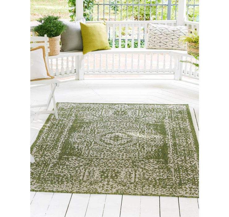 213cm x 305cm Outdoor Traditional Rug