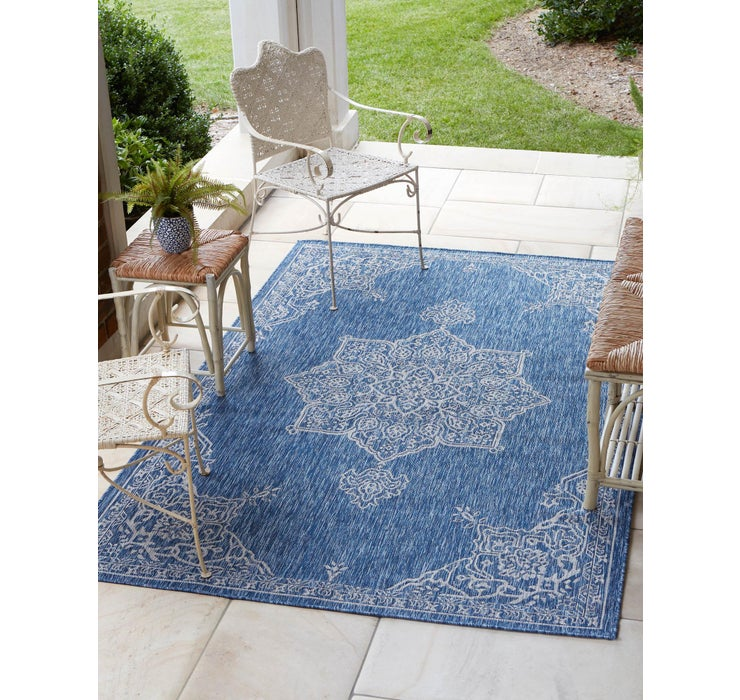 7' x 10' Outdoor Traditional Rug