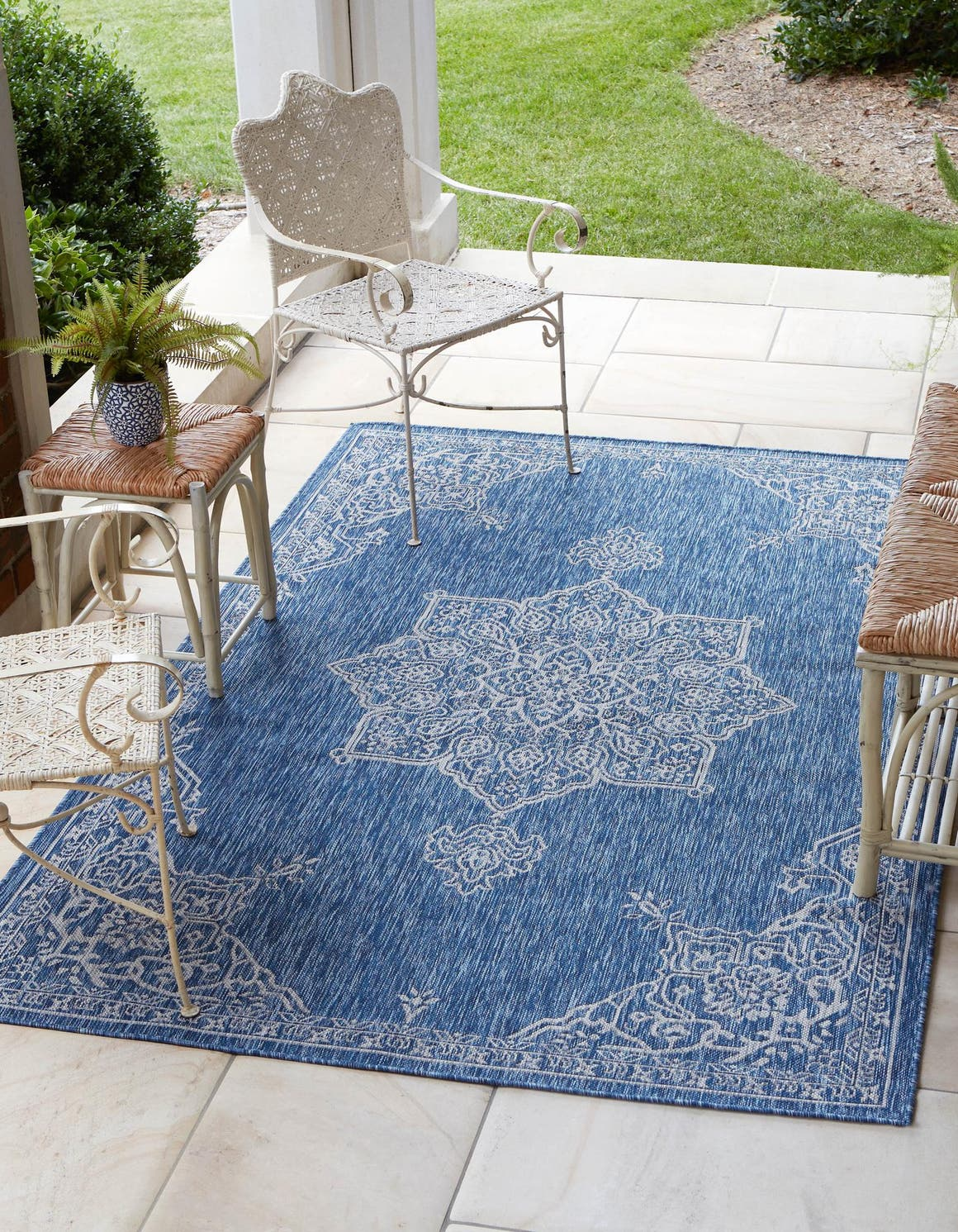 275cm x 365cm Outdoor Traditional Rug main image