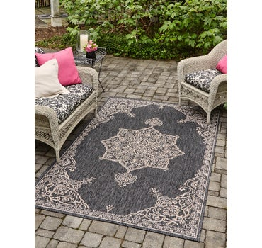 4' x 6' Outdoor Traditional Rug main image