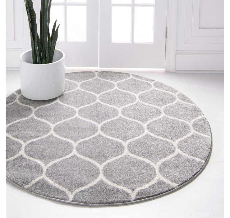 5' x 5' Trellis Frieze Round Rug