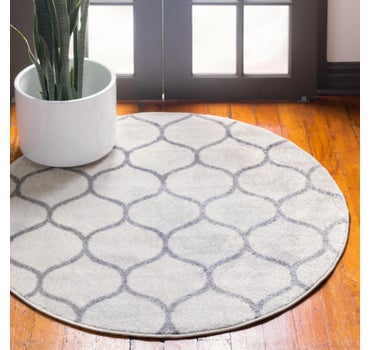5' x 5' Trellis Frieze Round Rug main image
