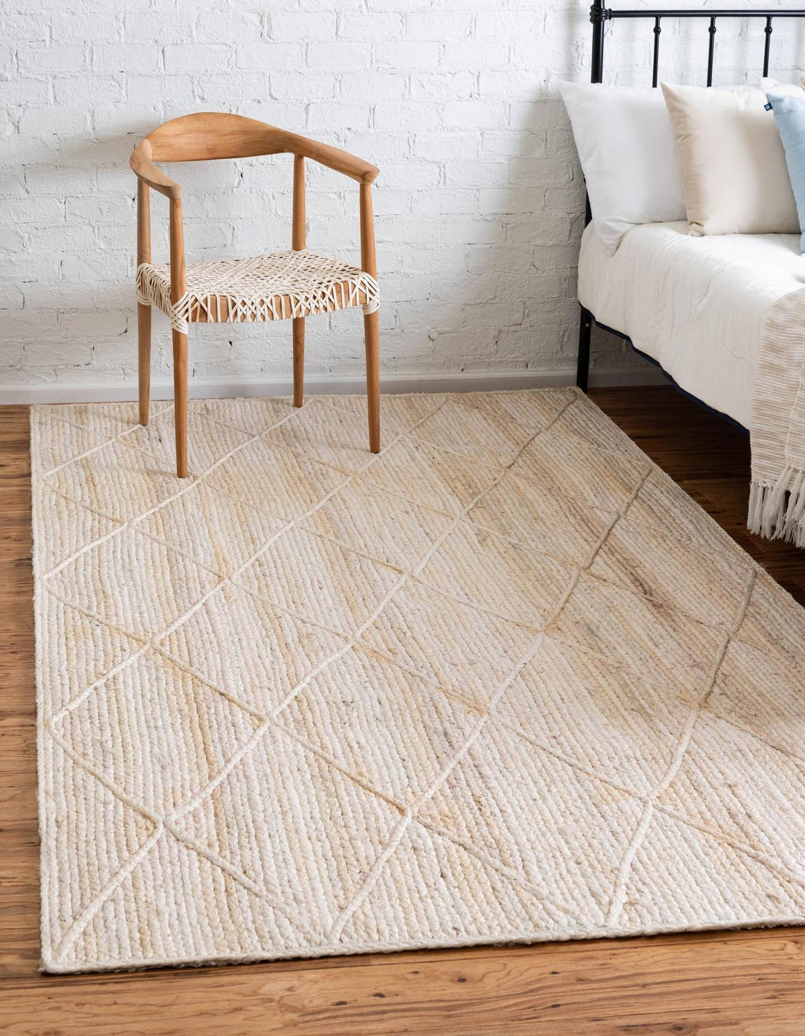 6' x 9' Braided Jute Rug main image