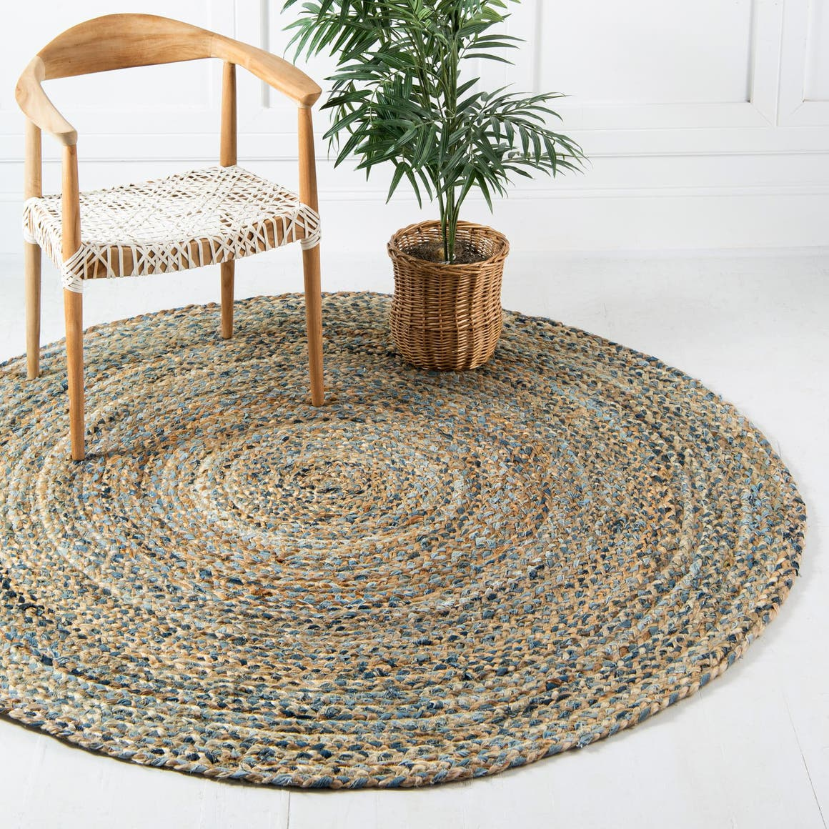 4' x 4' Braided Chindi Round Rug main image