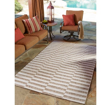 5' x 8' Outdoor Striped Rug main image
