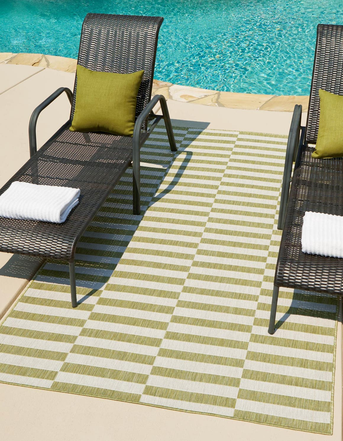 7' x 10' Outdoor Striped Rug main image