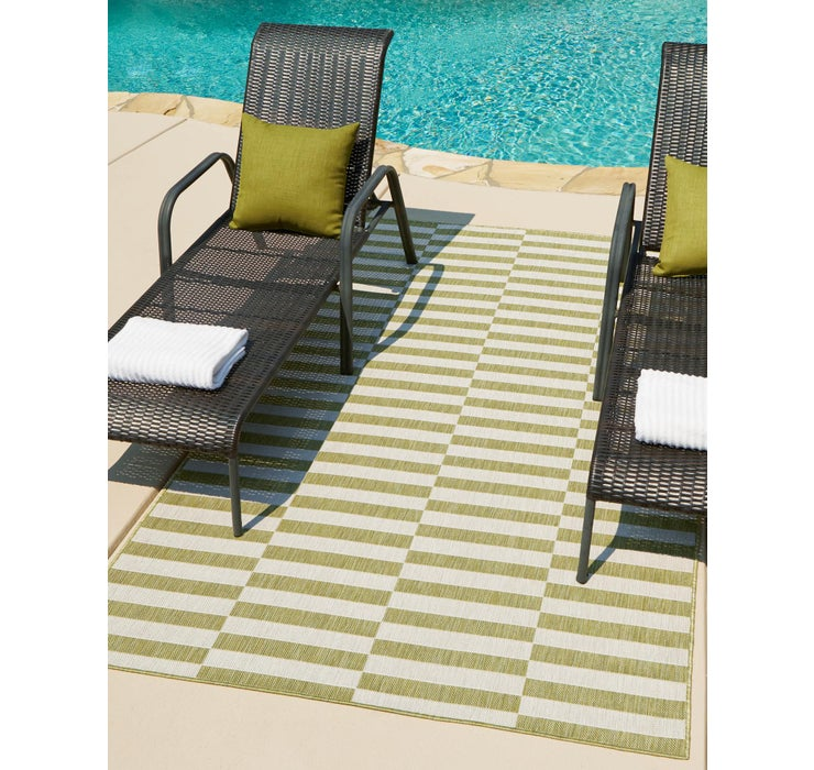4' x 6' Outdoor Striped Rug