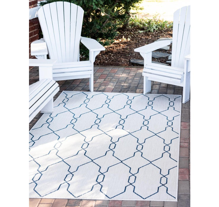 Image of 7' x 10' Outdoor Trellis Rug