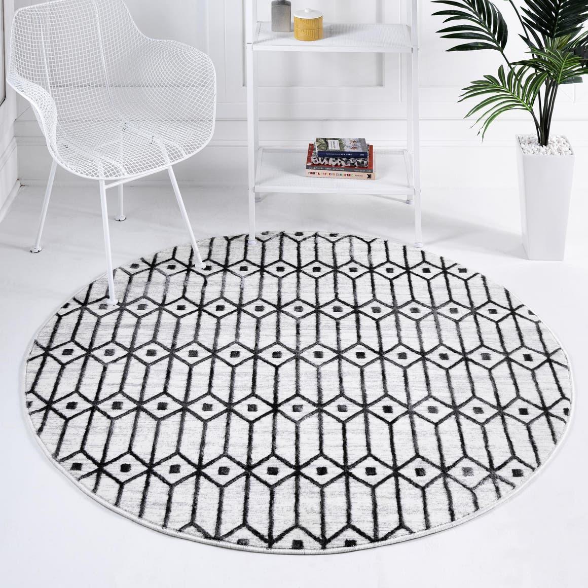 5' x 5' Lattice Trellis Round Rug main image