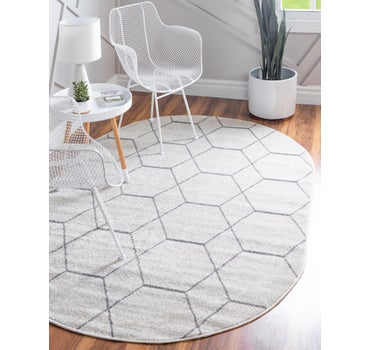 7' 10 x 10' Trellis Frieze Oval Rug main image