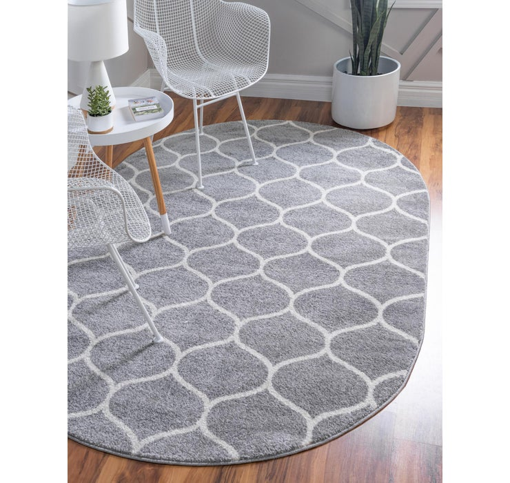 4' x 6' Trellis Frieze Oval Rug