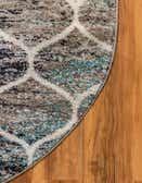 5' x 8' Lattice Frieze Oval Rug thumbnail