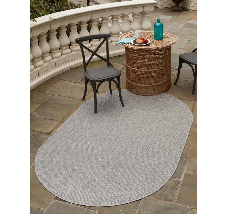 3' 3 x 5' 3 Outdoor Solid Oval Rug