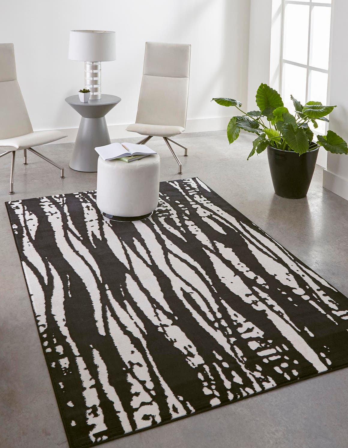 9' x 12' Vince Camuto Rug main image