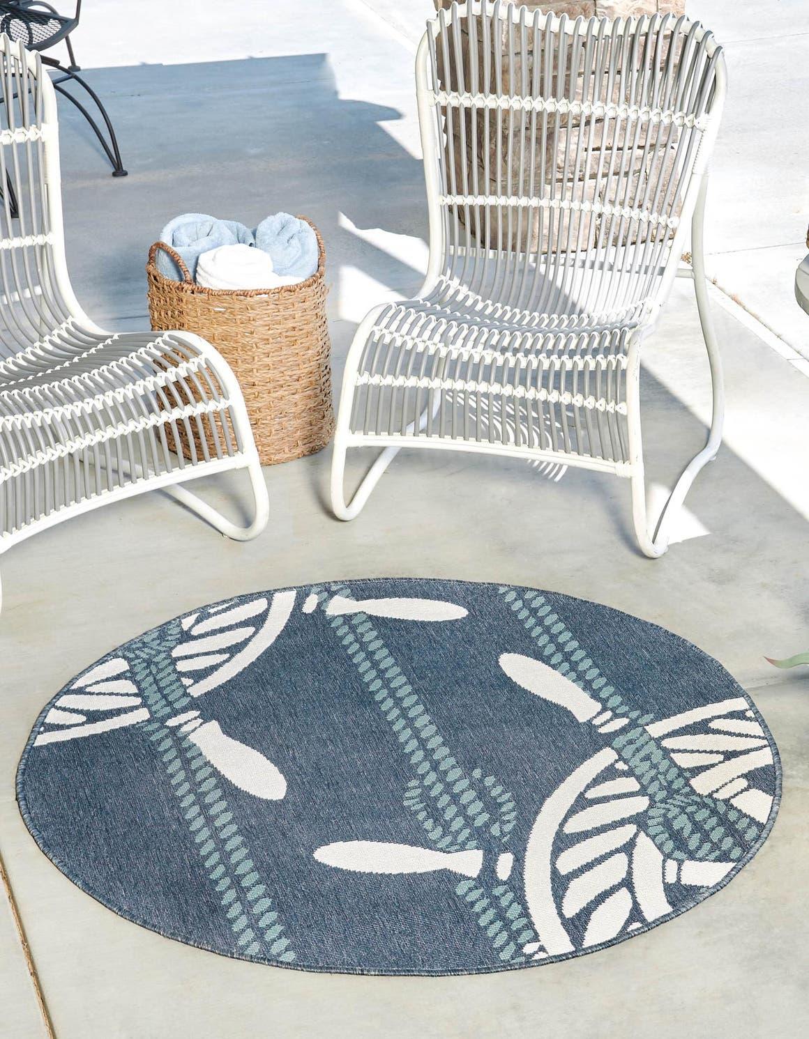 4' x 4' Outdoor Coastal Round Rug main image