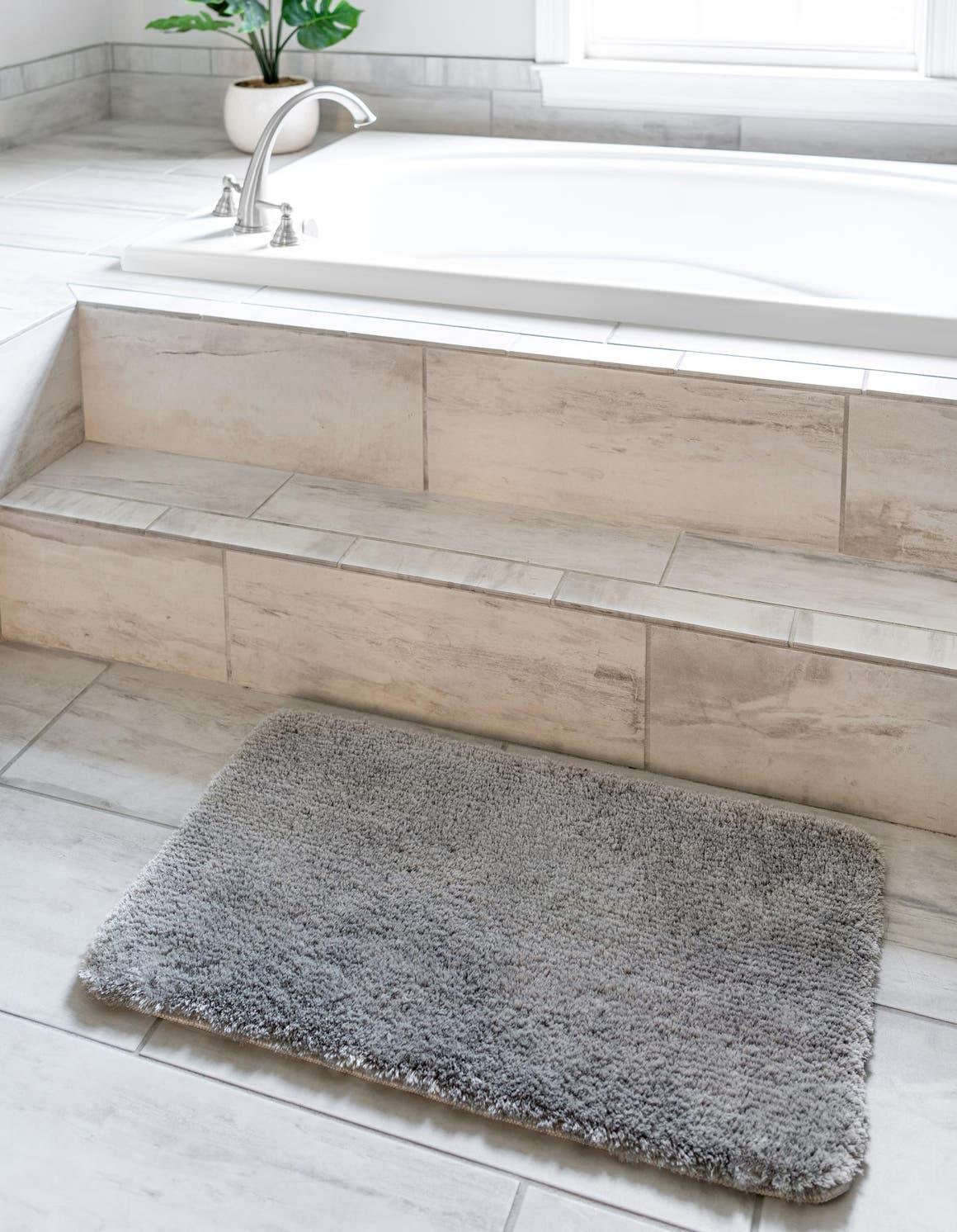 1' 8 x 2' 7 Bano Luxe Bath Mat Rug main image