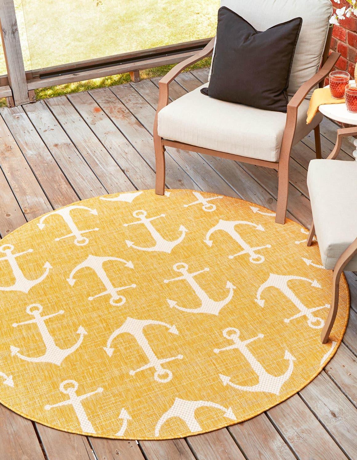 7' 10 x 7' 10 Outdoor Coastal Round Rug main image